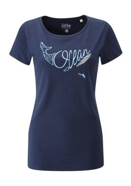 womens_t-shirt_navy_whale_front
